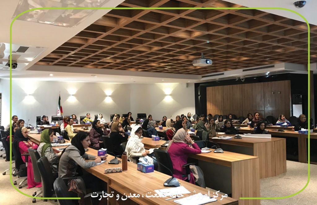شاپ شناخت برش های اصلی مانتو در شیراز min 1024x663 - آموزش طراحی لباس در شیراز